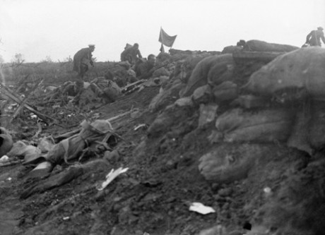 Men of the  1/10th Battalion, King's (Liverpool Regiment), known as the Liverpool Scottish, in the middle of an attack at Bellewaarde outside Ypres on 16 June 1915. Photograph taken by Private Fred Fyfe, a pre-war press photographer, as he lay wounded. Imperial War Museum/ Centenary Partnership Programme ref Q 49750.