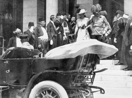 Archduke Franz Ferdinand (centre in plumed hat), the heir to the throne of Austria-Hungary, descends the steps of the town hall in Sarajevo with his wife Sophie on 28 June 1914. Minutes later, both were shot dead by Gavrilo Princip. Imperial War Museum/ Centenary Partnership Programme ref Q 3255.